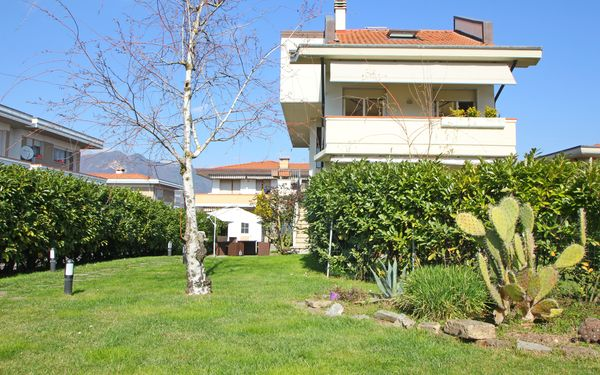 Franca, Holiday Apartment for rent in Marina Di Massa, Tuscany
