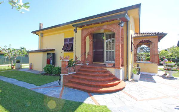 Ferienhaus Pietro in  Marina Di Massa -Toskana