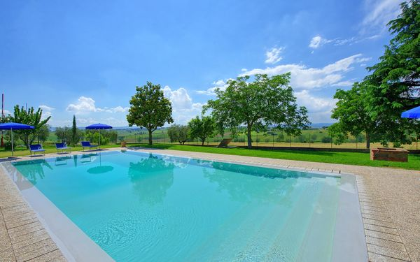 Casale Miro, Villa for rent in Fratticciola, Tuscany