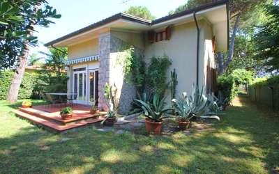 Ai Cerri: Vorderseite Ferienhaus in Marina di Massa