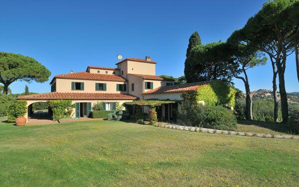 Villa Montepergoli, Villa for rent in Castagneto Carducci, Tuscany