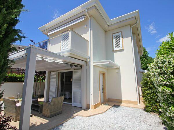 Villetta Simonetta, Holiday Home for rent in Capanne-prato-cinquale, Tuscany