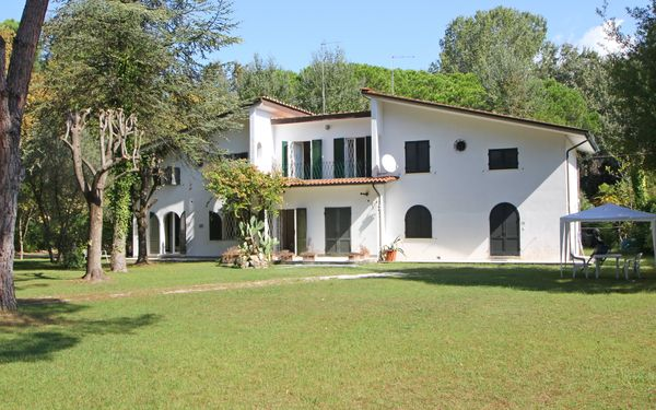 Villa Perchessì, Villa for rent in Marina Dei Ronchi, Tuscany