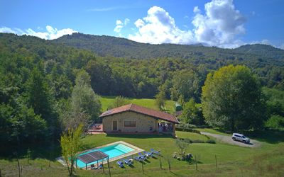 Capanna Del Pastore: Villa with pool in Garfagnana