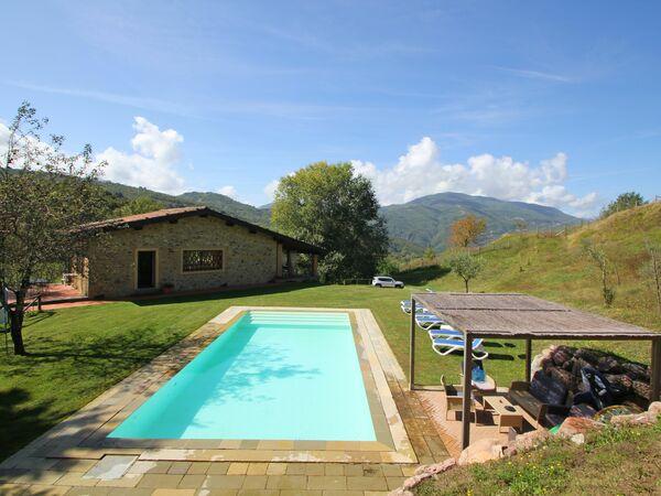 Capanna Del Pastore, Villa for rent in Castelnuovo Di Garfagnana, Tuscany