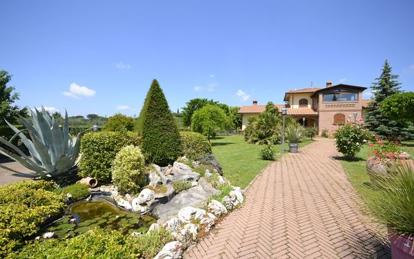 Villa Solidea, Villa for rent in Pietraia, Tuscany