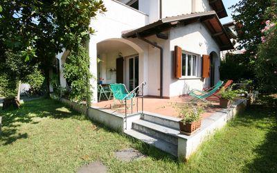 Villa Cremona: House for rent at the Sea in Forte dei Marmi