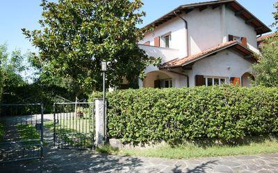 Villa Cremona: Holiday Villa in Forte dei Marmi