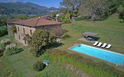 I Baroni: near Lucca