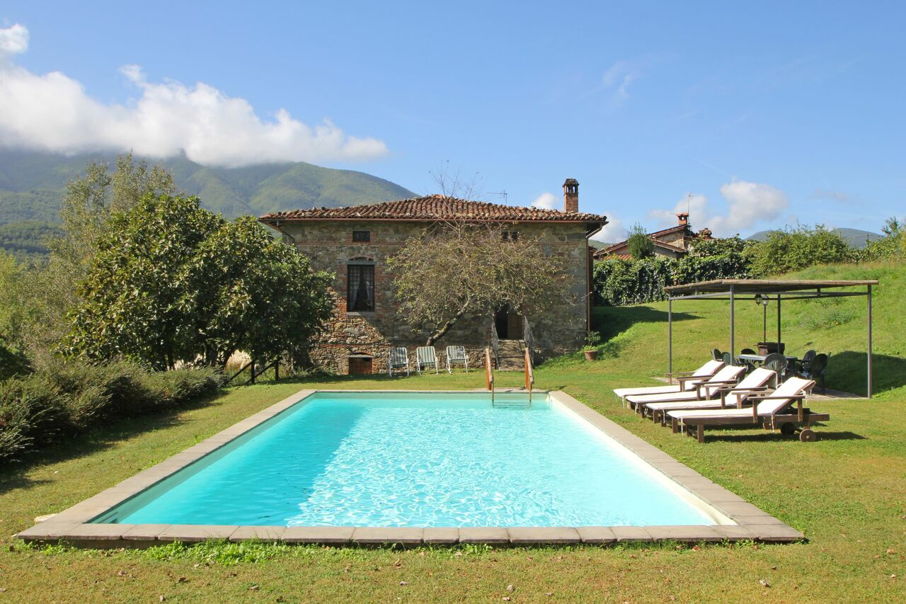 private villa for 12 people