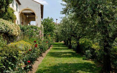 Villa Il Galero: Garden view.