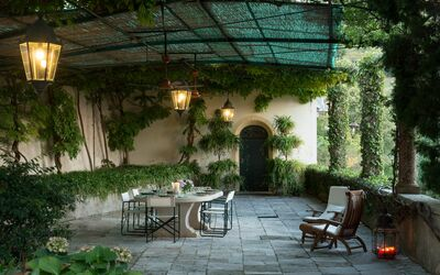 Villa Il Galero: Patio under the wisteria with beautiful panoramic view.