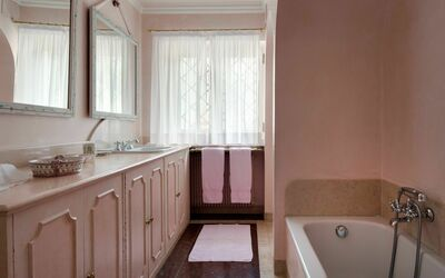 Villa Il Galero: Beretta annex First Floor Bathroom