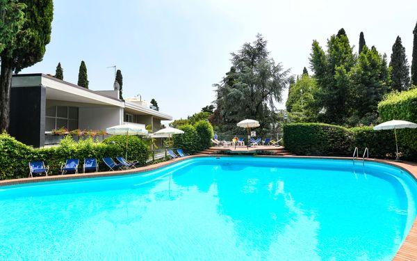 Residence Gardagate - Residenza Villa Alba in  Gardone Riviera -Lombardei