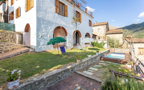 Casa Alice, Villa for rent in Lugnano-monti Di Villa, Tuscany