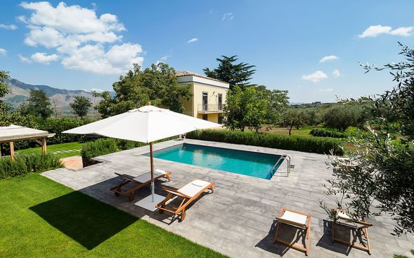 Villa Mascalese, Villa for rent in Randazzo, Sicily