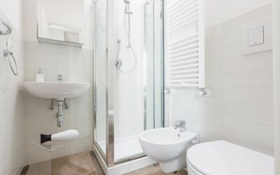 Vista Mare Da Giulia: first bathroom