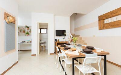Villa Clodia: dining-living room