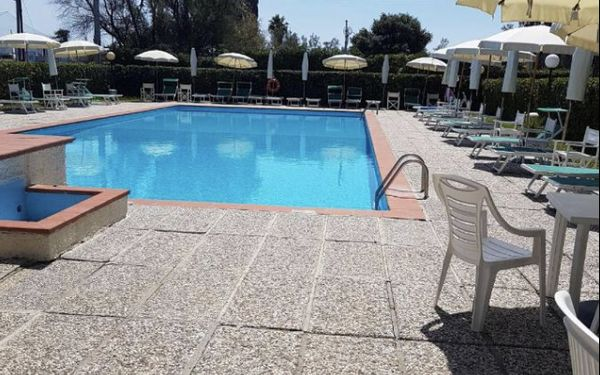 La Piscina 2, Holiday Apartment for rent in Marina Di Massa, Tuscany