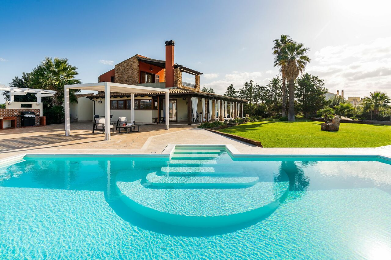 Private pool and panoramica view