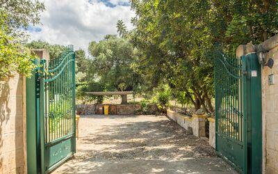 Graziosa Dimora: Cancello d'ingresso