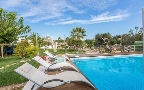 Trullo Suenn Con Piscina, Villa for rent in San Michele Salentino, Apulia
