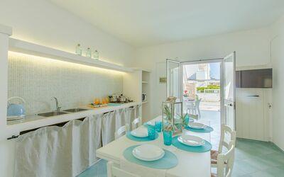 Casa Rosa: dining room
