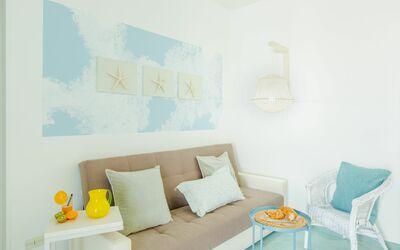 Casa Rosa: sofa bed