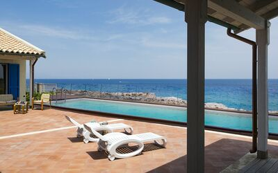Villa Blu: Piscina vista mare
