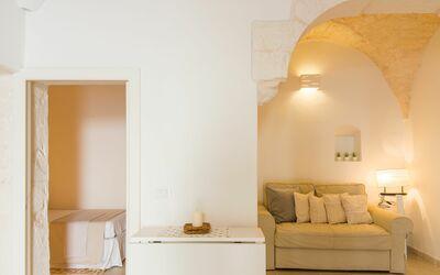 Casa Volpe: living room