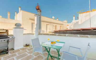 Casa Volpe: outdoor space