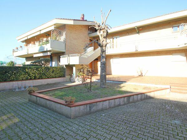 Il Lago, Holiday Apartment for rent in Marina Di Massa, Tuscany