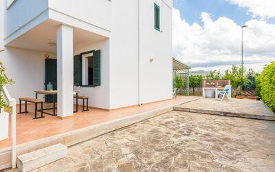 Villa Laurenzia: garden