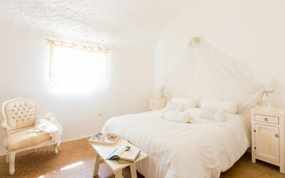 Trullo Dell'angelo: first double bedroom