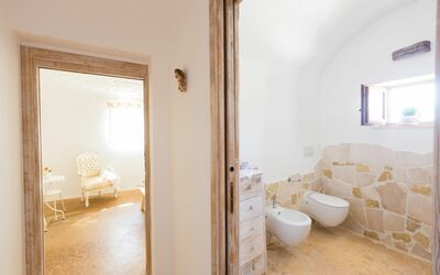 Trullo Dell'angelo: bathroom