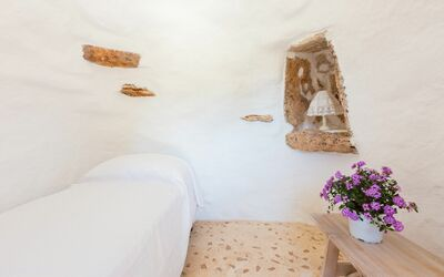 Trullo Dell'angelo: third double bedroom