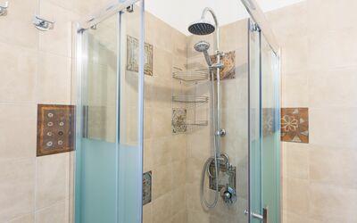 Trullo Dei Sogni: shower