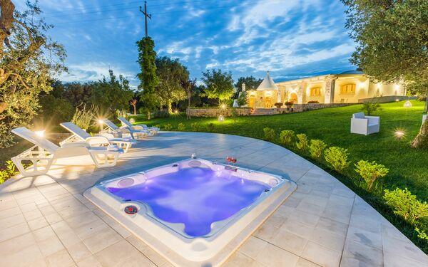 Trullo Dei Sogni, Villa for rent in San Michele Salentino, Apulia