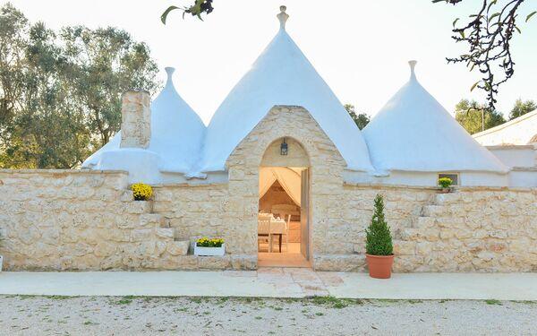 Trullo Delle Ginestre, Country House for rent in San Michele Salentino, Apulia