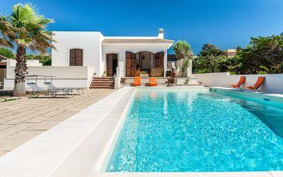 Villa Profumo: pool with sea view