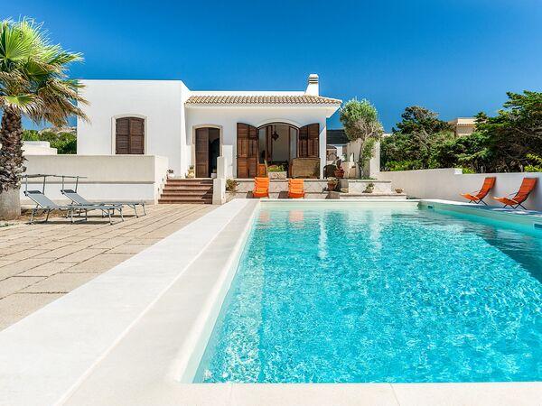 Villa Profumo, Villa for rent in Custonaci, Sicily