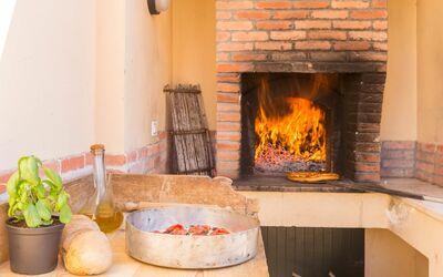 Villa Il Pesco: pizza oven