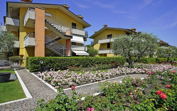 Gardagate - Camelia & Lilla, Holiday Apartment for rent in Sirmione, Lombardy