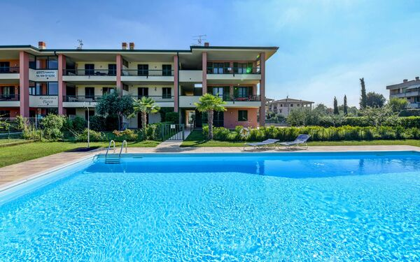 Gardagate - Residenza Arcobaleno, Residence for rent in Sirmione, Lombardy