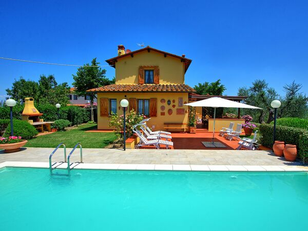 Villa Poggio Al Pipi, Villa for rent in Leoni, Tuscany