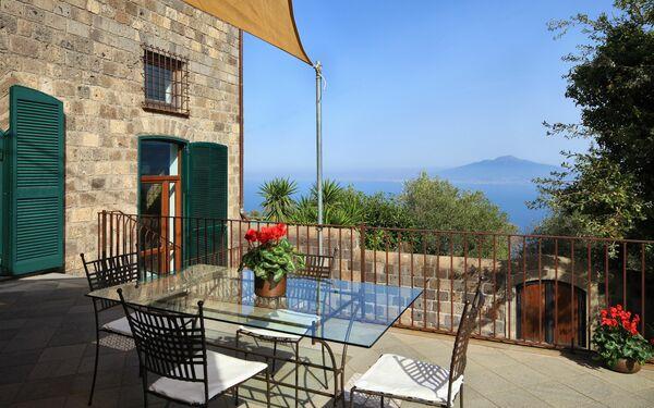 Stony Villa Volcano View, Villa for rent in Sant'agata Sui Due Golfi, Campania
