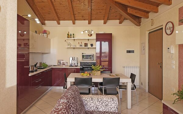 Gardagate - Residenza Tammaro, Apartment for rent in Sirmione, Lombardy