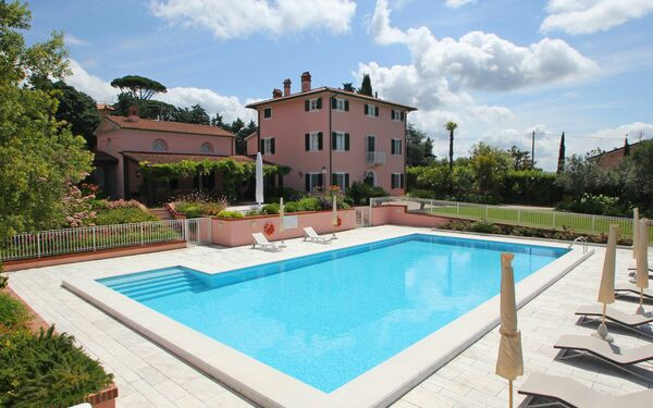 Villa Leichte Brise, Villa for rent in Corsanico, Tuscany