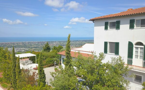 Leichte Brise Apartments, Holiday Apartment for rent in Corsanico, Tuscany