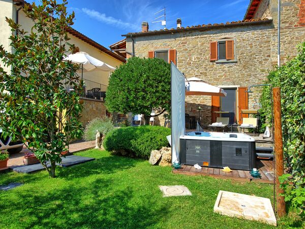 Nicol, Apartment for rent in Il Borgo, Tuscany